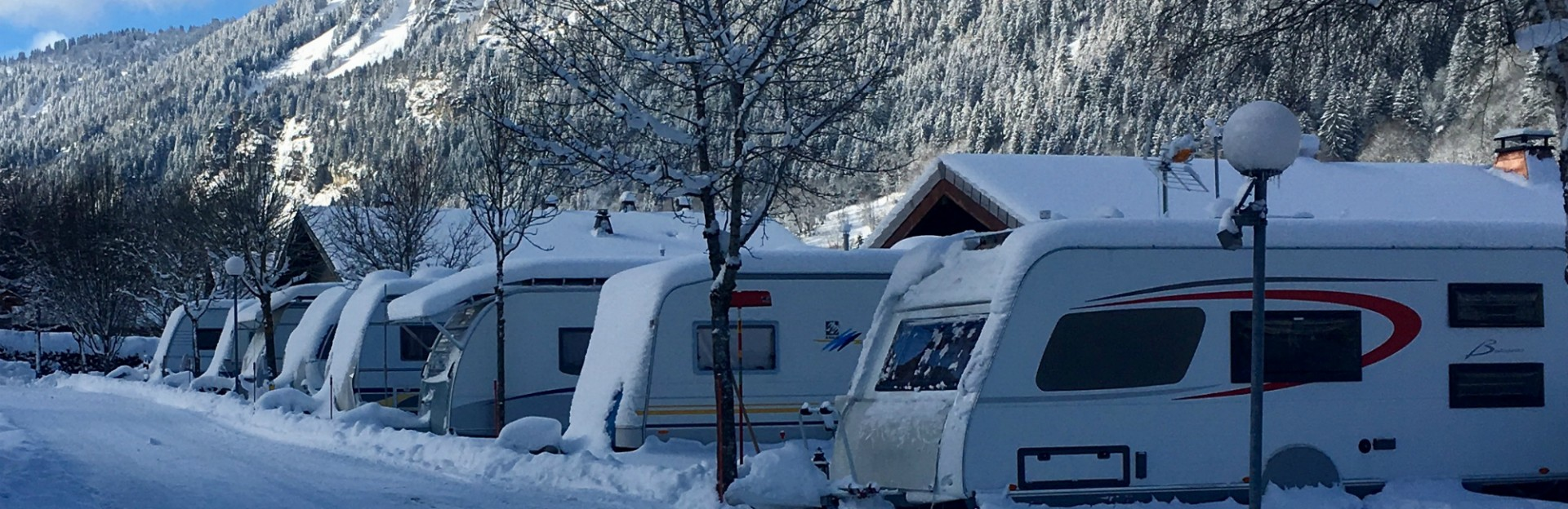 campsite in winter l'oustalet | 4 stars with swimming pool | mountain in winter| Châtel | Haute Savoie