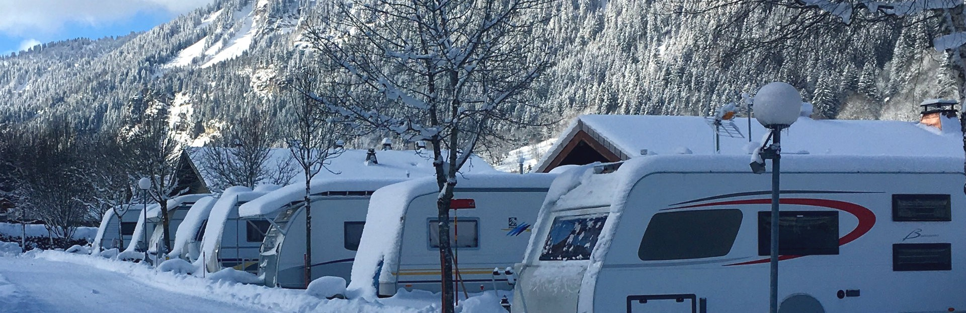 camping l'oustalet | montagnes | grand air | hiver | domaine skiable | châtel | 1