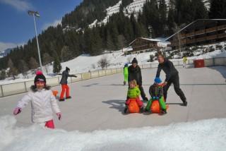 skating rink | campsite l'oustalet | châtel