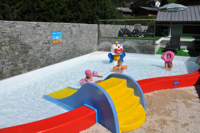Paddling pool for children