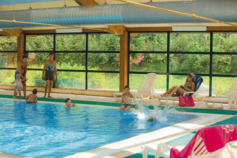 Heated indoor swimming pool | campsite l'Oustalet | 4 stars | Châtel | Haute-Savoie 2