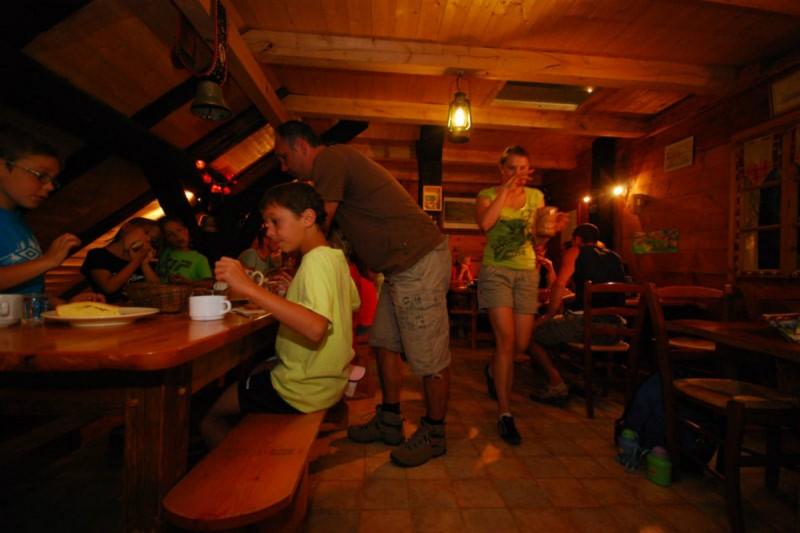 repas en alpage | camping l'Oustalet | châtel