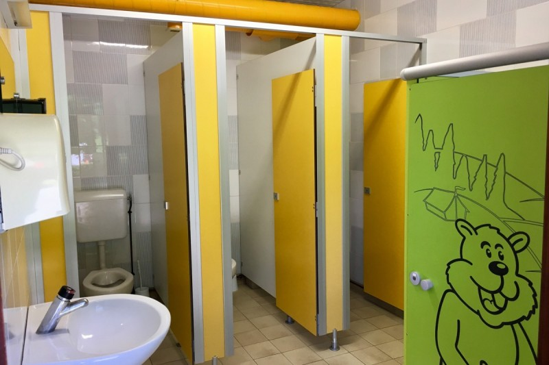Toilets for women and kids